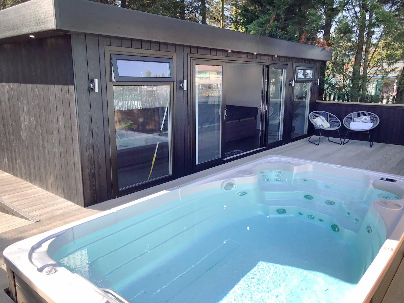 Hydropool Midlands - 14ft Aqua Sport - Showroom