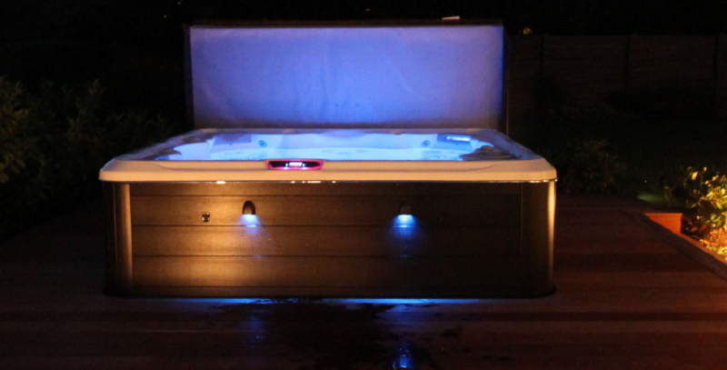 6 Features That Make Hydropool The Best Insulated Hot Tub Manufacturer On The Market!