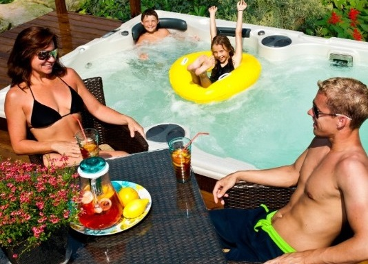 7 Reasons Why You Should Choose A Hydropool Hot Tub